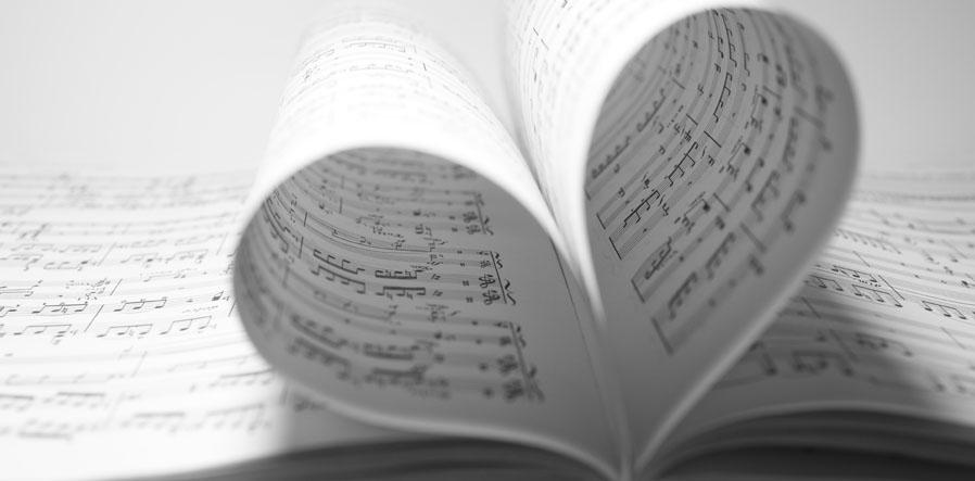 muziekblaadjes in hartvorm