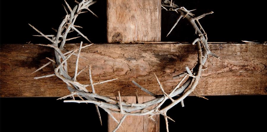 Doornenkroon en kruis