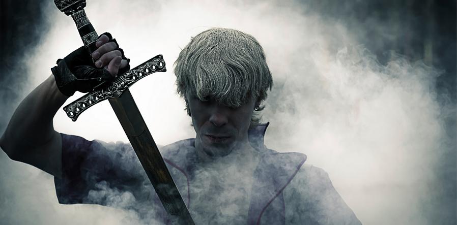 zwaardvechter in de mist