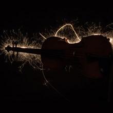 viool-met-electrische-vonken-220x220