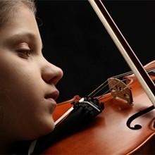 kind-met-viool-220x220