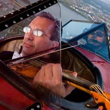 viola in airplane 220